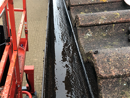 schools-gutters-after-cleaning